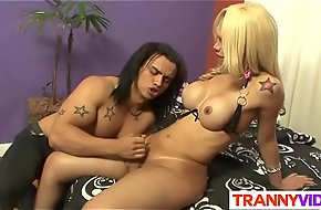His First Tranny Experience With Suzy Valenca
