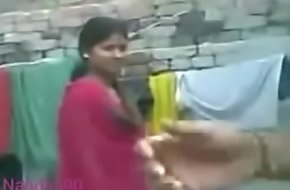Desi dame Nandini show boobs increased by his husband increased by boyfriend