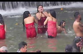 Nepalese column bathing